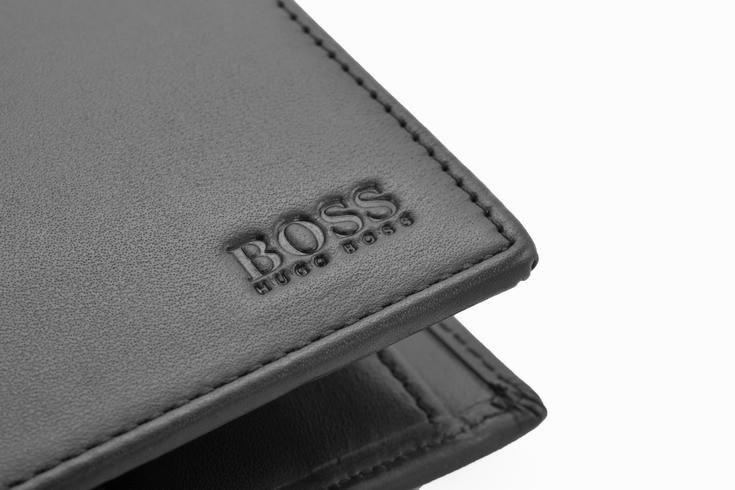 90d2a24538d47 Znane HUGO BOSS męski portfel skórzany miejsce na bilon NEW -40  IA-35